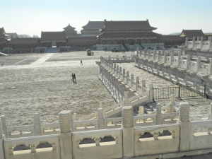 Crowds in the cold of winter in the Imperial Palace
