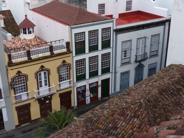 LA Palma street with cobbles
